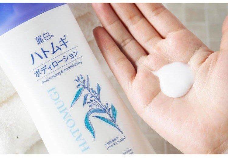 sữa rửa mặt Nhật