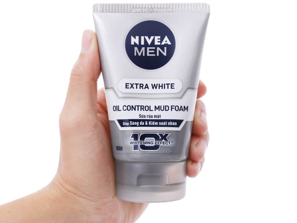 Nivea Men Extra White Oil Control Mud Foam