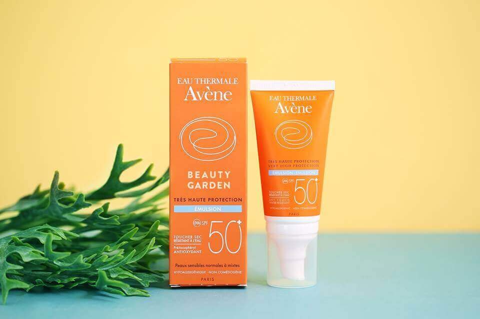 Kem chống nắng Avene Very High Protection Emulsion SPF50+