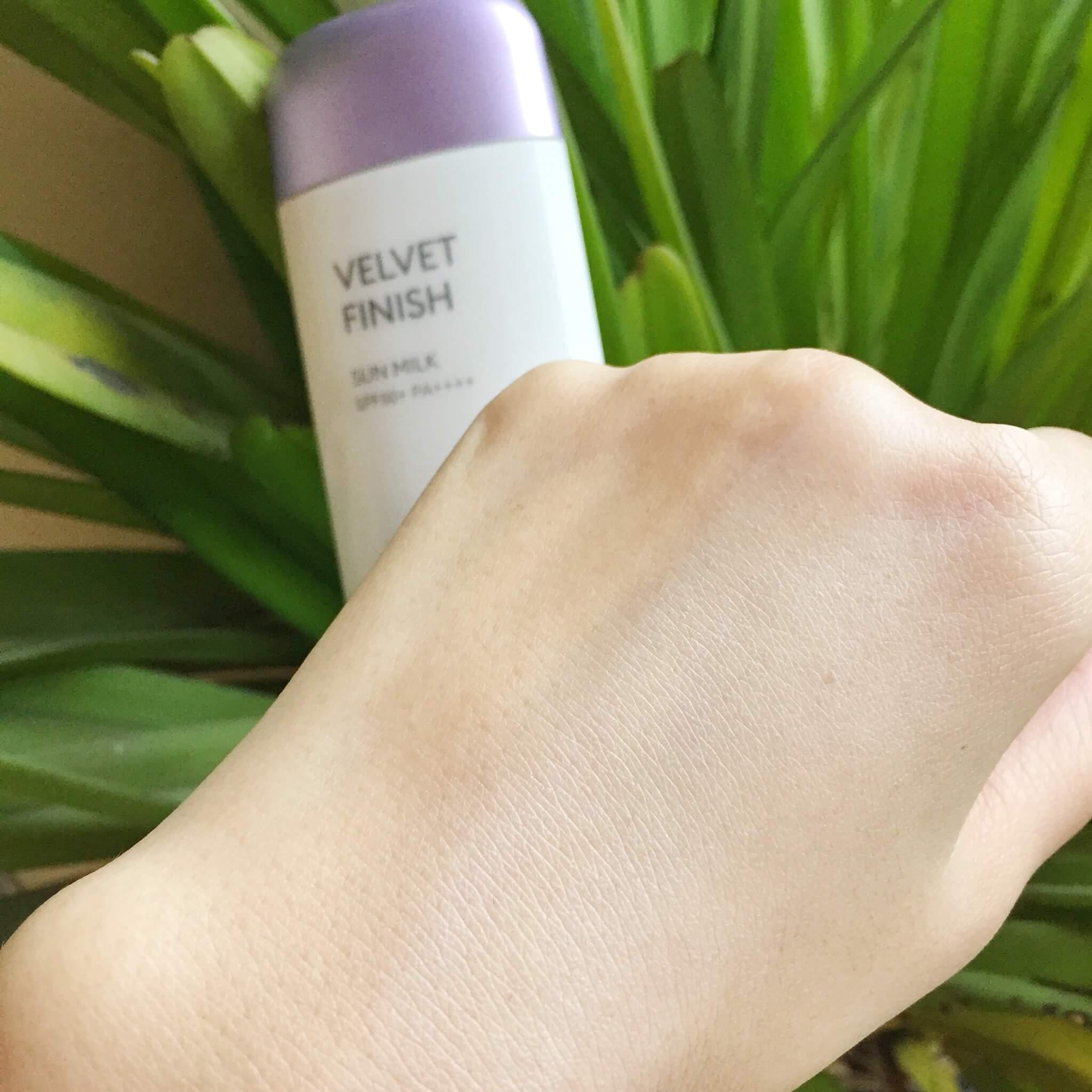 Kem Chống Nắng Missha Velvet Finish Sun Milk 70ML (TÍM)